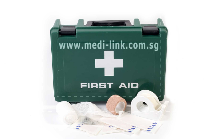 FIRST AID KIT FOR U.K. SHIPS